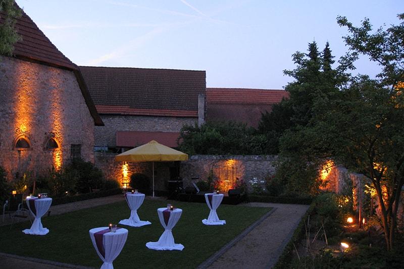 Weingut Domhof - Weinaromagarten bei Nacht